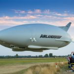 Airlander 10 hat erfolgreich seinen Jungfernflug absolviert